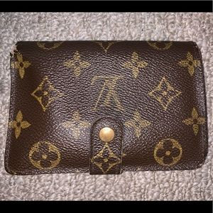 Authentic LV Kisslock Wallet